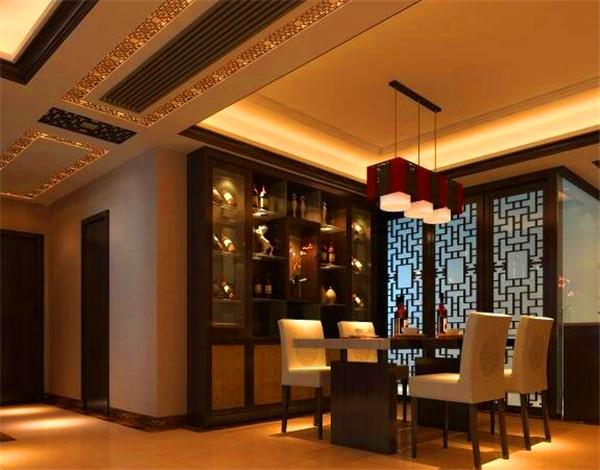 2、客厅辅灯要彰显个性 辅助的照明灯饰包括壁灯和台灯,以及落地灯。但是尺寸要小一些。它们的使用可以帮助客厅增加光线层次感。尤其是近一些年来流行的客厅暖灯,让我们感觉客厅中式装修带来别有一番情趣。客厅的面积如果很大的话,选择落地灯能够提升品位和档次。落地灯移动起来方便,设计艺术较佳,能够给客厅增添不少特色。