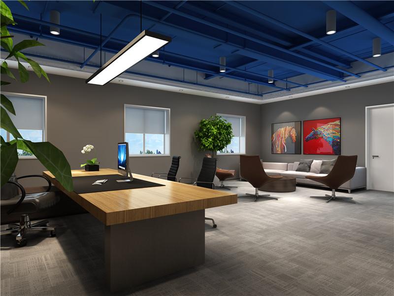 项目名称:华远佳业 项目地点:北京市通州区 项目设计:英特威迅 项目施工:英特威迅 项目规模:800平方米 项目时间:2017年10月-2017年11月 施工工艺:环保涂料、混油木饰面、瓷砖、水泥自流坪、地毯、 局部磁漆玻璃、环保喷漆、环保LED筒灯。  大厅前台展示 一进公司首先映入眼帘的是黄色的背景墙,公司品牌形象华远佳业四个大字和公司形象墙上的企业文化标语,让客户更直观的认识和了解公司的品牌和企业文化。北京办公室设计蓝色的吊顶和黄色的背景墙更是相互呼应,前台上方泛着白光的两盏长条节能吊灯和小筒灯更